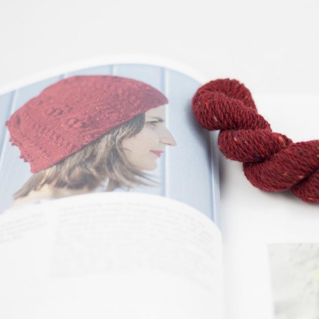 BC Garn AH Hockney Hat Fire Red
