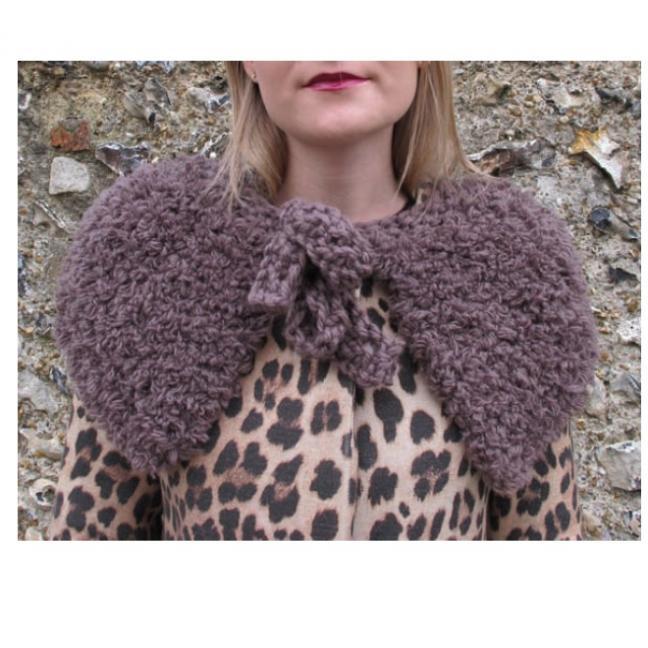Erika Knight Gedruckte Anleitungen Fur Wool 25 Kuschelumhang Deutsch Fur Wool
