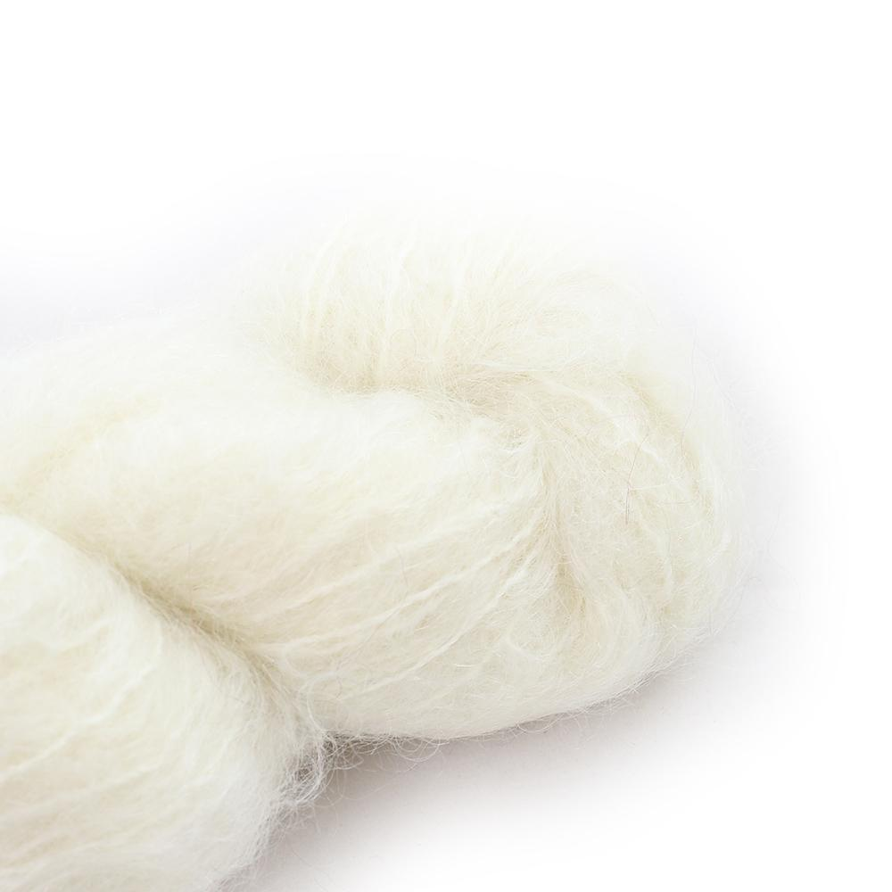Cowgirl Blues Fluffy Mohair solids (100g) 10-Natural