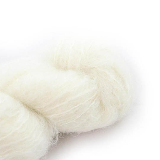 Cowgirl Blues Fluffy Mohair solids 10-Natural