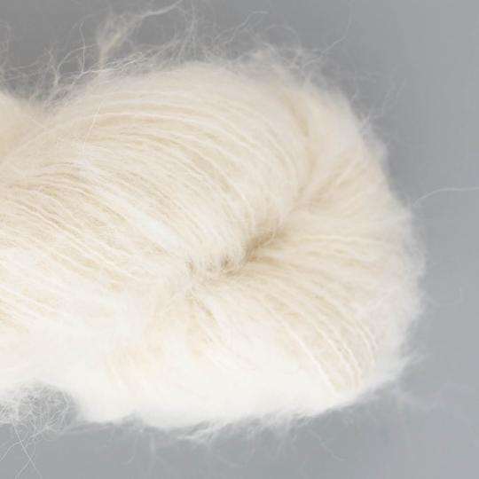 Kremke Soul Wool Baby Silk Fluffy ungefärbt auf 50g Strang natural white undyed